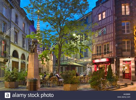 restaurant at night in the old town rouen normandy