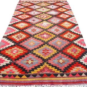 come pulire un tappeto persiano come pulire un kilim senza rovinarlo arrangiamoci