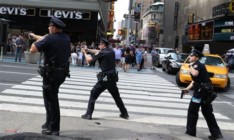 york police  training  fatal shooting  times square officials    york times