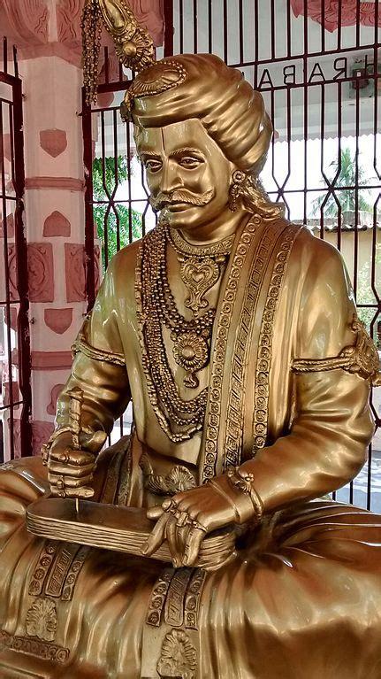 filekrishnadevaraya statue  srikakulam krishna