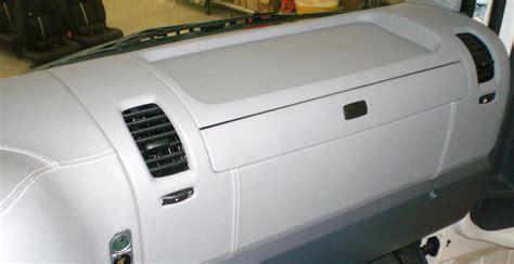 verniciare interni auto come verniciare cruscotto auto colori per dipingere