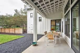 Modern Farmhouse Porch Modern Farmhouse Farmhouse Porch Austin By Redbud