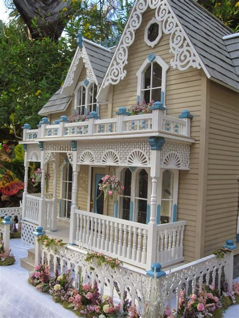 victorian dolls house figures best 25 victorian dollhouse ideas on pinterest doll houses dolls and dollhouses