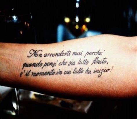 tatuaggi scritte braccio interno tatuaggi scritte uomo foto 7 39 qnm