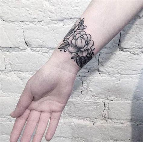 feminine wrist tattoos gallery 25 best ideas about best wrist tattoos on