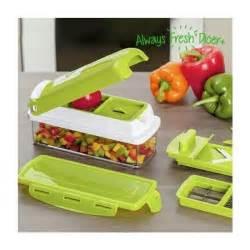 coupe legume cube table de cuisine