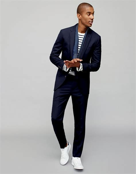 s white sneakers to wear with a suit
