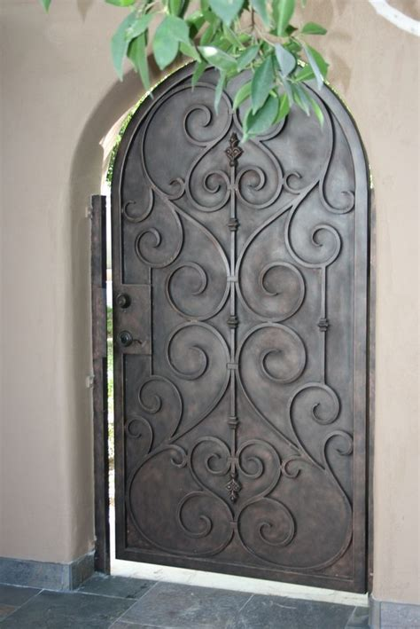 Design Of Iron Door by 25 Best Ideas About Wrought Iron Gates On