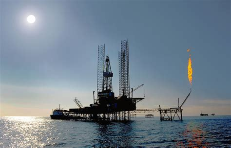 file up rig in the caspian sea jpg wikimedia commons