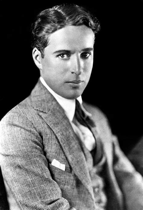 biography of charles chaplin in english charles spencer chaplin 1889 1977 english actor and
