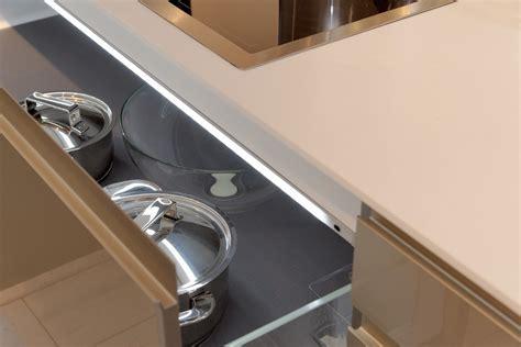 beleuchtung unterschrank küche unterschrank beleuchtung k 252 che raum und m 246 beldesign