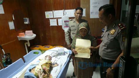 Ranjang Bayi Rumah Sakit kapolsek batuaji kompol sujoku jenguk bayi di rumah sakit tribun batam