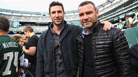 pablo schreiber real height 44 real life pop culture siblings you probably didn t