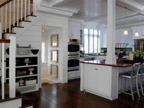 Cottage Kitchens Designs by 12 Cozy Cottage Kitchens Hgtv