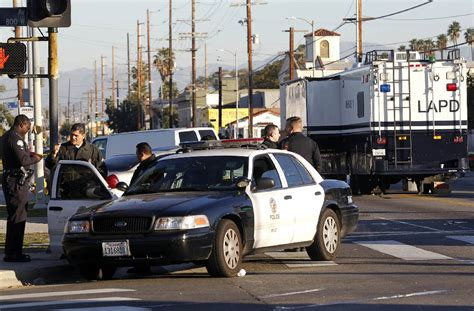 houses for rent in los angeles south central two gunmen open fire on los angeles police car times free press