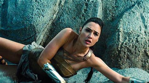 wonder woman mania che meraviglia sky cinema wonder woman ecco un nuovo trailer in italiano del