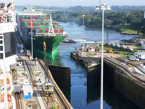 Photo Panama Canal by Book Review Of The Closer 19 52 The 2015 Book