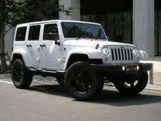 white jeep black rims cool 4x4