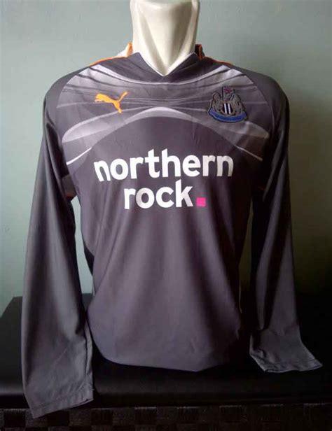 Jersey Bola Newcastle United toko olahraga hawaii sports jersey original newcastle united away goalkeeper shirt 2010