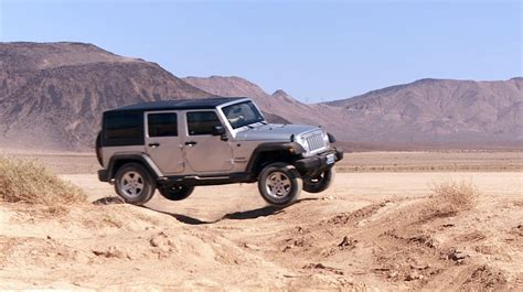 jeep stuck in mud jeep wrangler jk stuck knee deep in mud off road xtreme