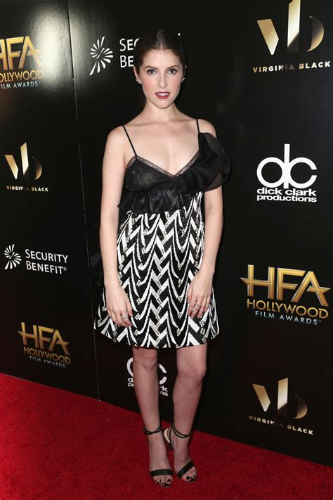 film awards red carpet 2016 anna kendrick in giambattista valli at the 2016 hollywood