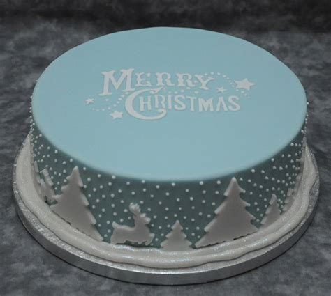 easy classy christmas tree from fondant 10 cake designs you ll