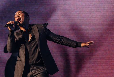 darkness and light tour john legend shines during spellbinding darkness and light
