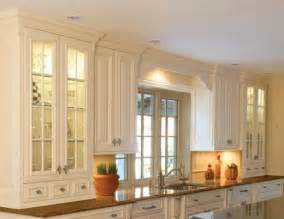Kitchen Puck Lights Cabinet Lighting Tips For Choosing And Installing Cabinet Lights