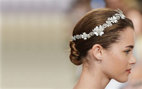 Wedding Hair Accessories Brighton by 2015 Bridal Hair Trends Makeover Box Wedding Makeup