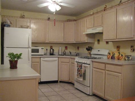 Bleaching Kitchen Cabinets Home Looking For A Buyer 2 Bedroom Town House Arden Heights Staten Island Ny 10312