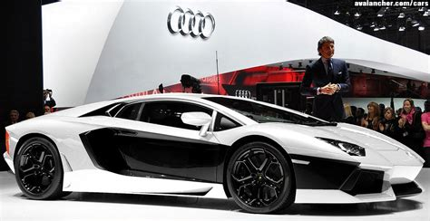 Black And Lamborghini Aventador Luxury Lamborghini Cars Lamborghini Aventador Black And White