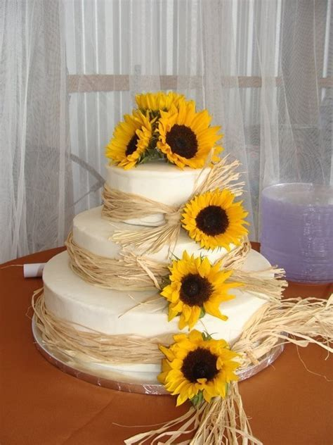 Sunflower Wedding Cake..this is cute if your going for a