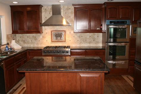 how do they reface kitchen cabinets why do kitchen cabinet refacing i e cabinets