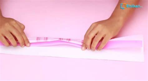 tutorial membungkus boneka dengan kertas kado cara membungkus kado bentuk tas