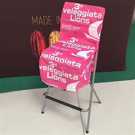 sgabelli richiudibili studio stands i vantaggi delle sedute personalizzate per