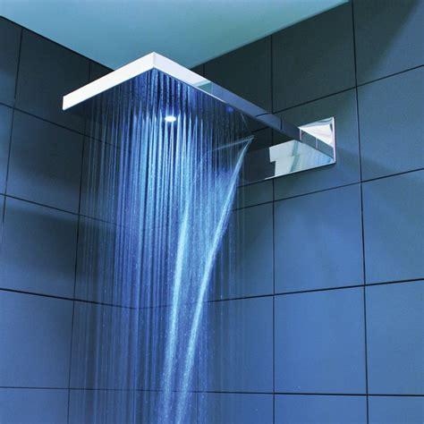 doccia con led soffione doccia con luce led rgb per installazione a