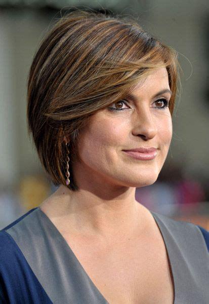 side views chin length hair short side swept chin length hair mariska hargitay