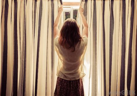 curtains woman how do i choose the best curtain holdbacks with pictures
