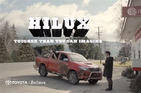 Toyota Meme Commercial - comment conduire un toyota hilux