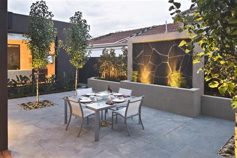 drakes backyard contemporary backyard with asian themes on drake street melbourne by cos design 05