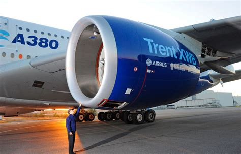 airbus a380 engines rolls royce rolls royce trent xwb engine makes maiden flight on a380