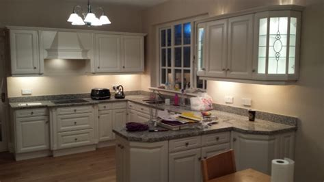 painting kitchen cabinets and units with farrow