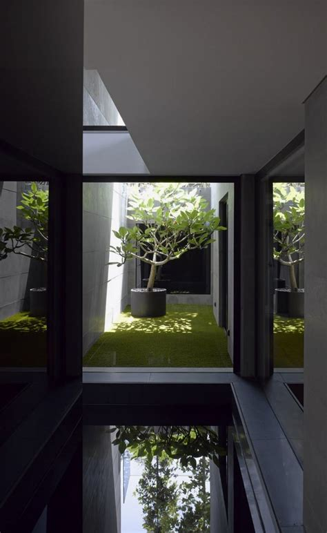 inner courtyard of house that looks minimalistic outside