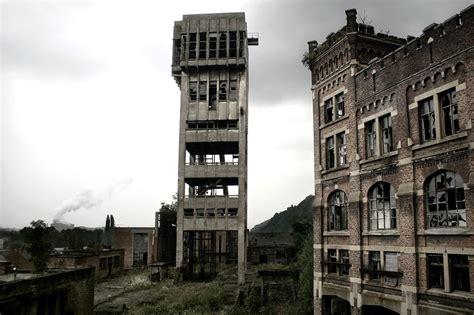 capannoni abbandonati il mondo spettrale di stefano il fotografo degli edifici