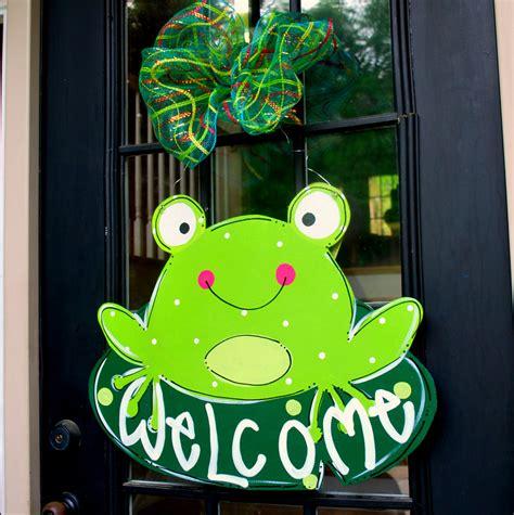 Frog Decor summer door hanger frog door decoration summer wreath frog