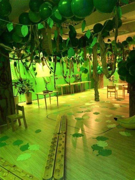 Decoration Theme Jungle by Best 25 Jungle Decorations Ideas On