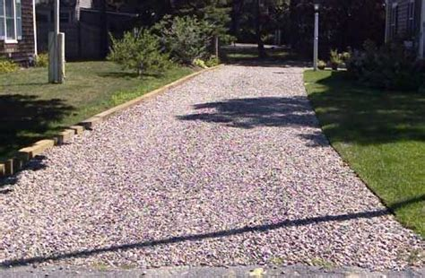 Using Landscape Timbers To Border A Driveway Crushed Rock Driveway Timber Border Gardening