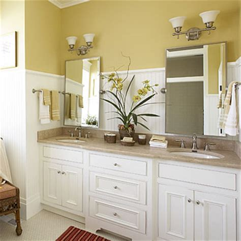 Bathroom Vanity Decorating Ideas by Cottage Style Master Bathroom Luxurious Master Bathroom