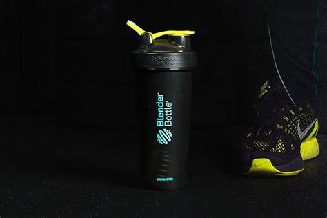 Limited Edition Spectra Bottle Stand Tatakan Botol blenderbottle goes slightly darker for its color of the month shaker
