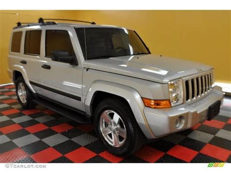 jeep commander silver 2006 bright silver metallic jeep commander 4x4 32604050